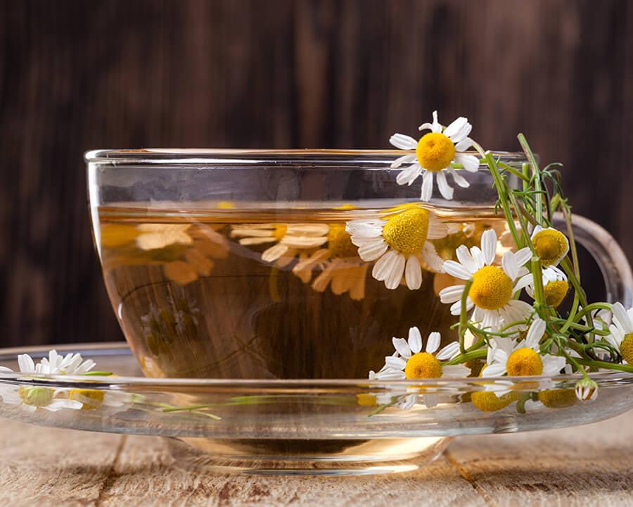 Cómo preparar una infusión o té de manzanilla
